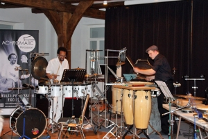 Duo Achromatic Percussion